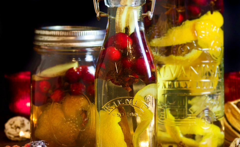 fantastic christmas spice infused vodka with cranberries
