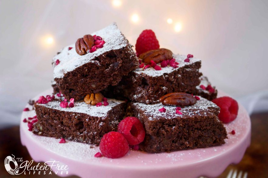 Festive Gluten-Free Raspberry and Pecan Gooey Brownies (dairy-free option) #cake #brownie #christmas #glutenfree #dairyfree