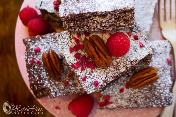 Festive Gluten-Free Raspberry and Pecan Gooey Brownies (dairy-free option) #cake #brownie #christmas #glutenfree #dairyfree