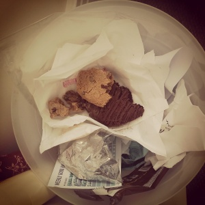 Just in case you don't believe me. Do you think I would throw out a good (or even edible) cookie?