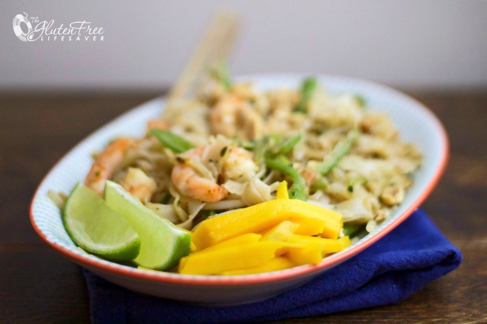 Super easy quick & delicious Pad Thai with mango