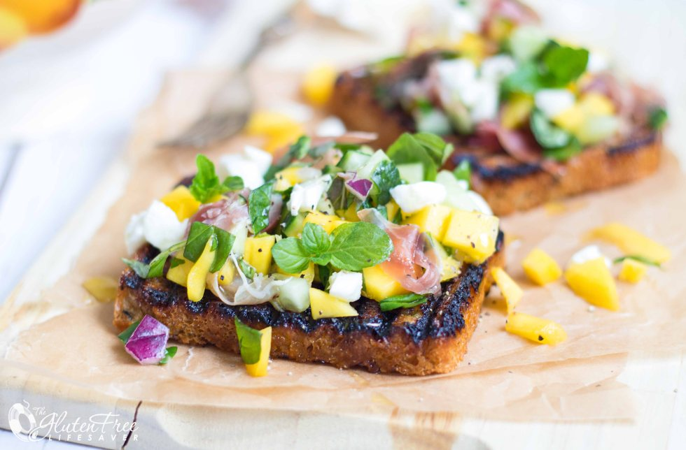 gluten-free mango and mozzarella bruschetta